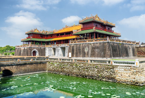 The Complex of Hue Monuments