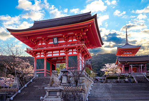 Early morning Kiyomizu Temple is much more intimate