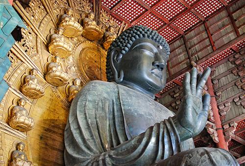 "Say ""Hello"" to Todai-ji Temple's Great Buddha"