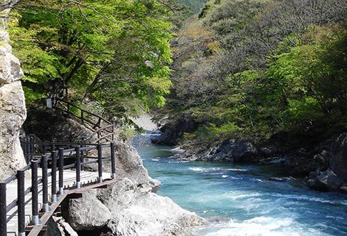 Suwakyo Gorge Trail